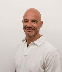 Dr. Armin Weiser