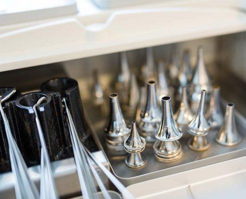 Instrumente für eine HNO-Untersuchung